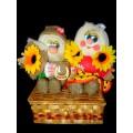 Сувенир Домовой - Денежник. Пара в лаптях с подсолнухами (25 см) 205.1